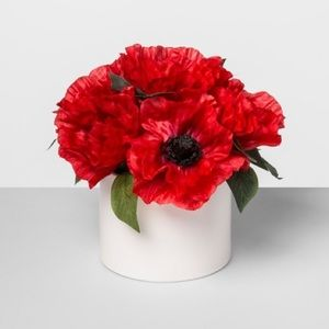 NWT Artificial Poppy Arrangement In Ceramic Pot
